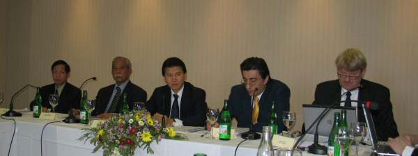 FIDE President Kirsan Ilyumzhinov chairing the Presidential Board meeting