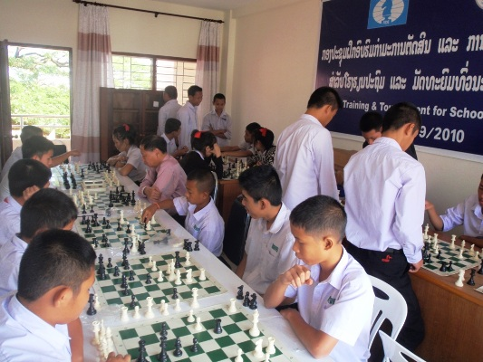 Chess_in_school-Laos