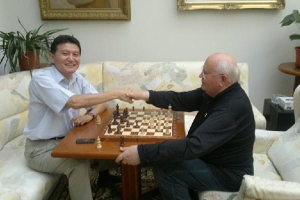 Кирсан Илюмжинов предложил Михаилу Горбачеву выступить на Генеральной ассамблее ФИДЕ в Кракове