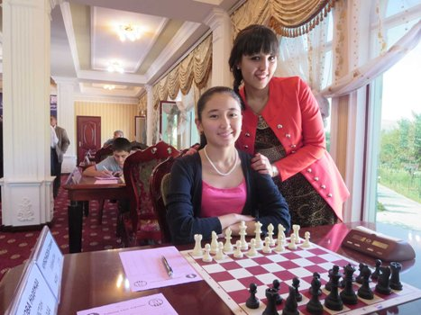 2nd places among women and girls - WFM Sarvinoz Kurbonboeva and Marvorii Nasriddinzoda