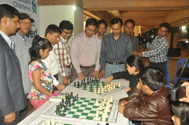 Inaugurating of the 13th Standard Chartered School Chess Tournament-2013