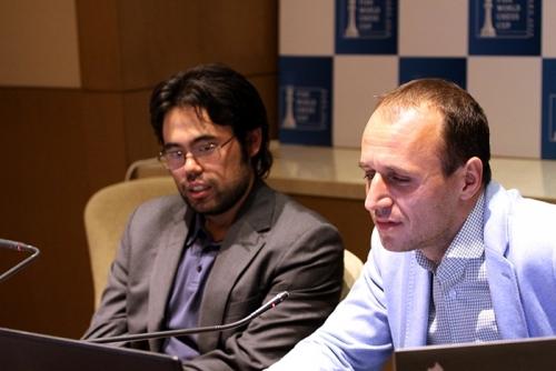 Hikaru Nakamura in the commentary room with Evgeny Miroshnichenko