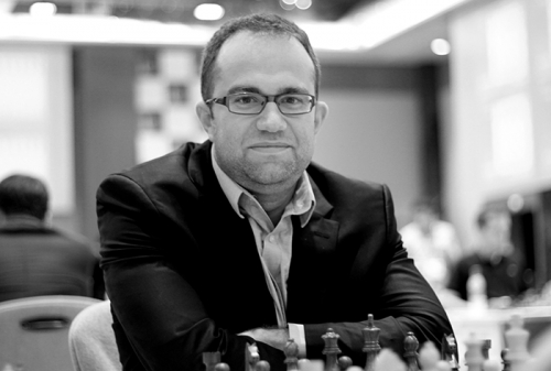 Pavel Eljanov scored an important win with black pieces