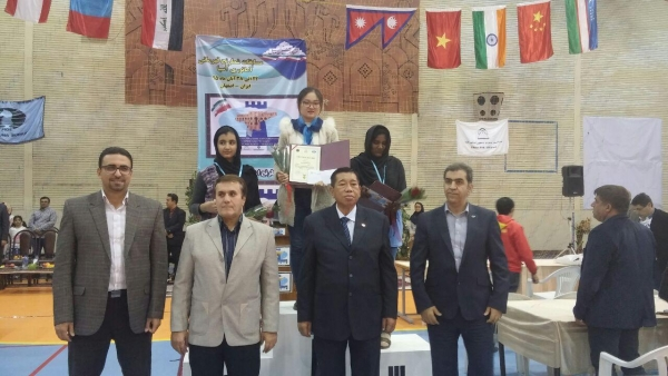 Best 3 players Women section 1st Liu Hongyan 2nd Asadi Motahare 3rd Sandhya G