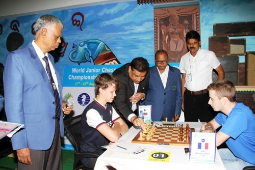 Mr. Bharat Singh Chauhan Chairman Technical Commission FIDE makes the first move of the tournament