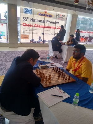 """ \""5. PSPB team mates GM Abhijit Kunte and Lalith Babu split the point\"""""