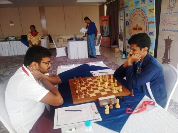 Defending champion Karthikeyan Murali was in good form against Lalith Babu