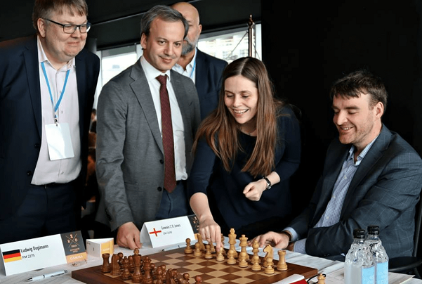 Katrin-Jakobsdottir-Arkady-Dvorkovich-Opening-ROund-1
