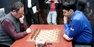 Viswanathan_Anand_and_Boris_Gelfand_inspect_match_venue