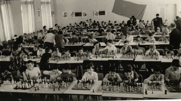chess_in_schools_in_chisinau_1984