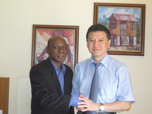 mtg_with_member_of_the_Board_of_Surinam_CF_Auke_Treu
